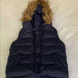 NEVER USED! Navy Gap Vest. Perfect condition ñ!